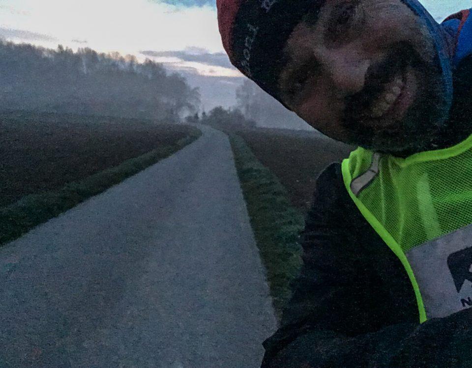 MENSCHLÄUFT –Selfie in grottiger Qualität aufgrund früher Tageszeit